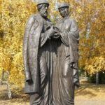Фото 26: Памятник Святым Петру и Февронии В Иркутске