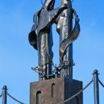 Фото 30: Памятник Святым Петру и Февронии в Нижнем Тагиле
