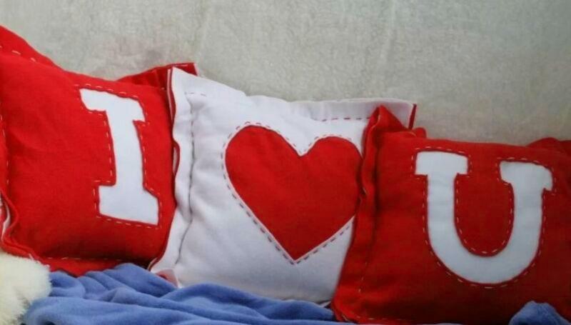 Подушки в подарок на день влюбленных