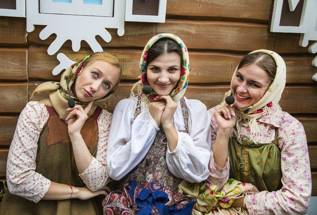 Сценка Три девицы под окном на 23 февраля