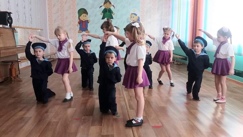 Танцы в детском саду на 23 февраля