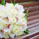 Фото 111: Букет с розами и орхидеями на 8 марта
