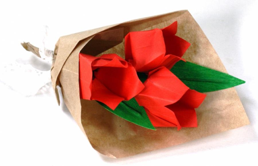 Поделка тюльпаны из бумаги на 8 марта