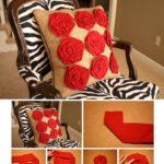 Фото 115: Сделать декор подушки цветами из лент своими руками