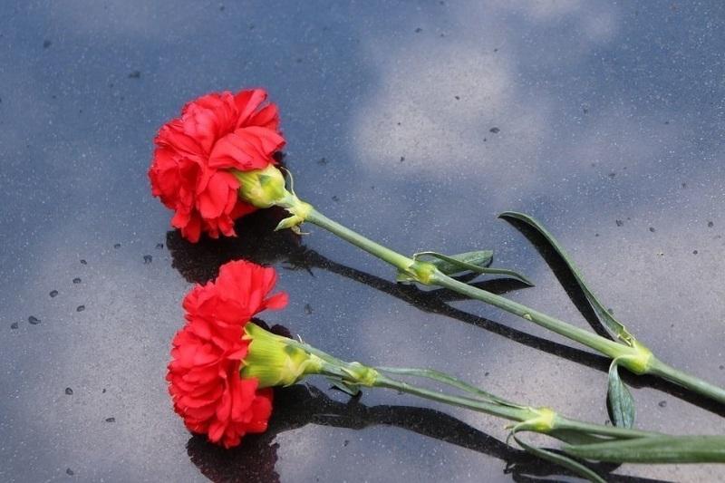 Гвоздики на похороны