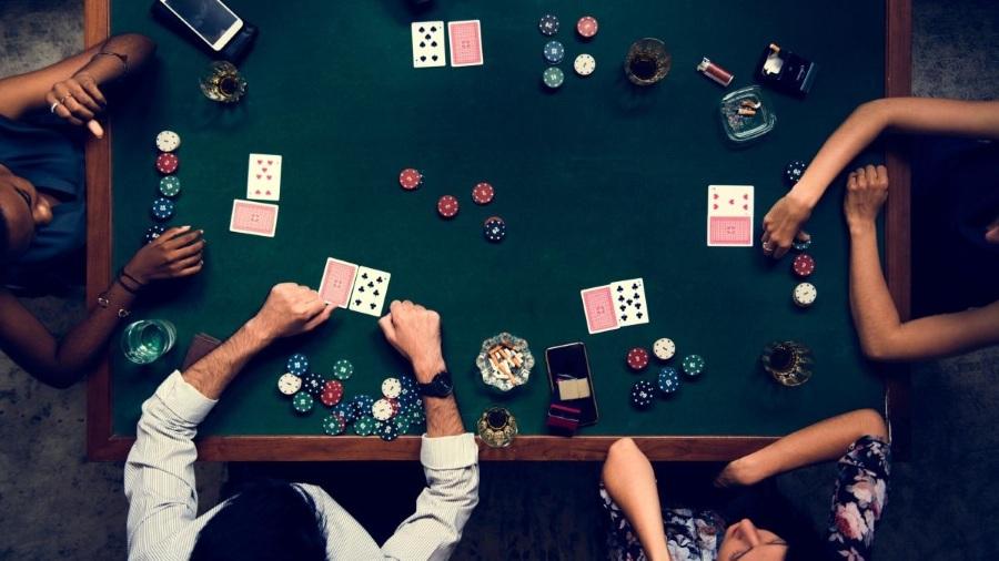 Набор для покера в подарок мужчине