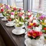 Фото 53: Подарить оригинальные букеты в красивых чашках на 8 марта