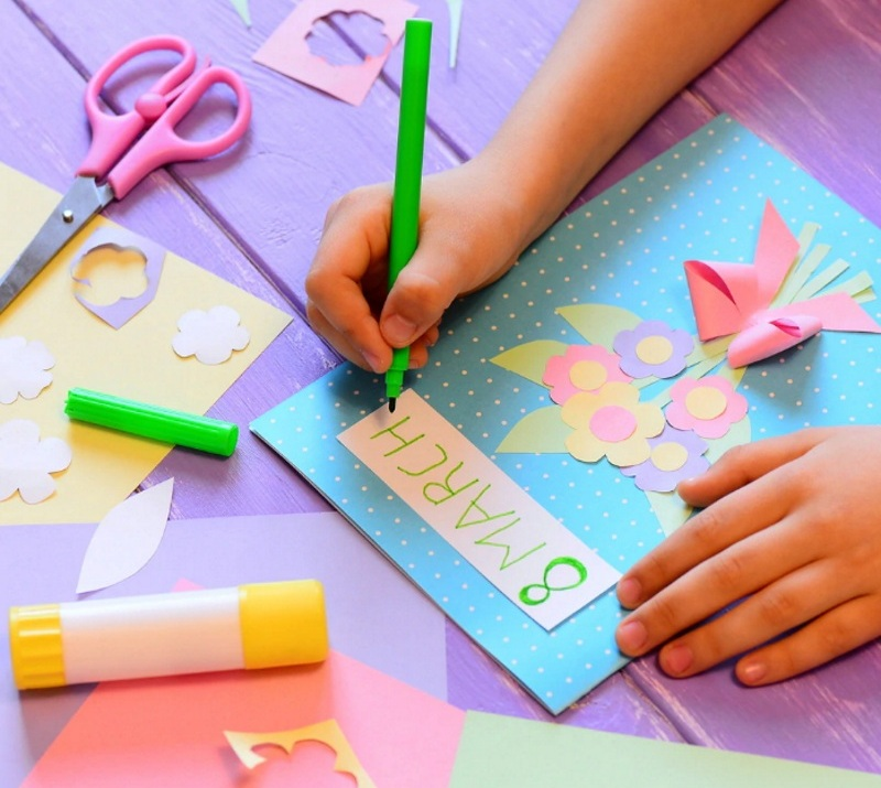 Сделать открытку на 8 марта своим руками
