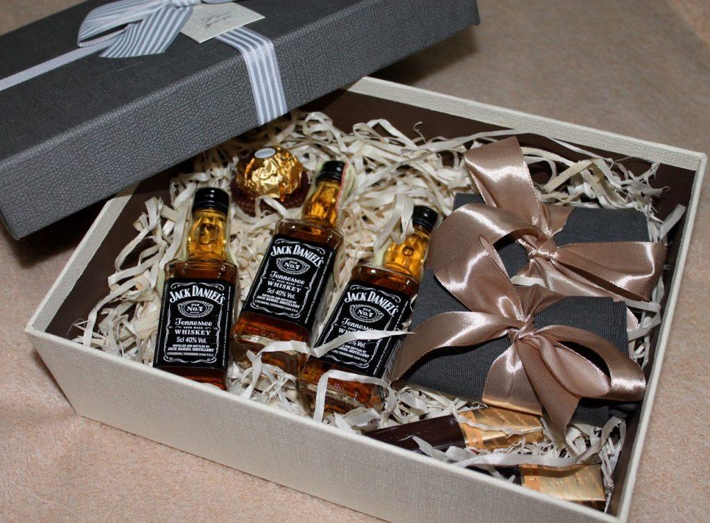 Подарочный набор с алкоголем на 23 февраля
