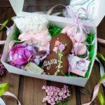 Фото 149: Подарочный набор сладостей на 8 марта