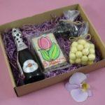 Фото 150: Подарочный набор маме с вином на 8 марта