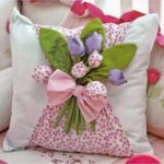 Фото 109: Декор подушки на 8 Марта своими руками