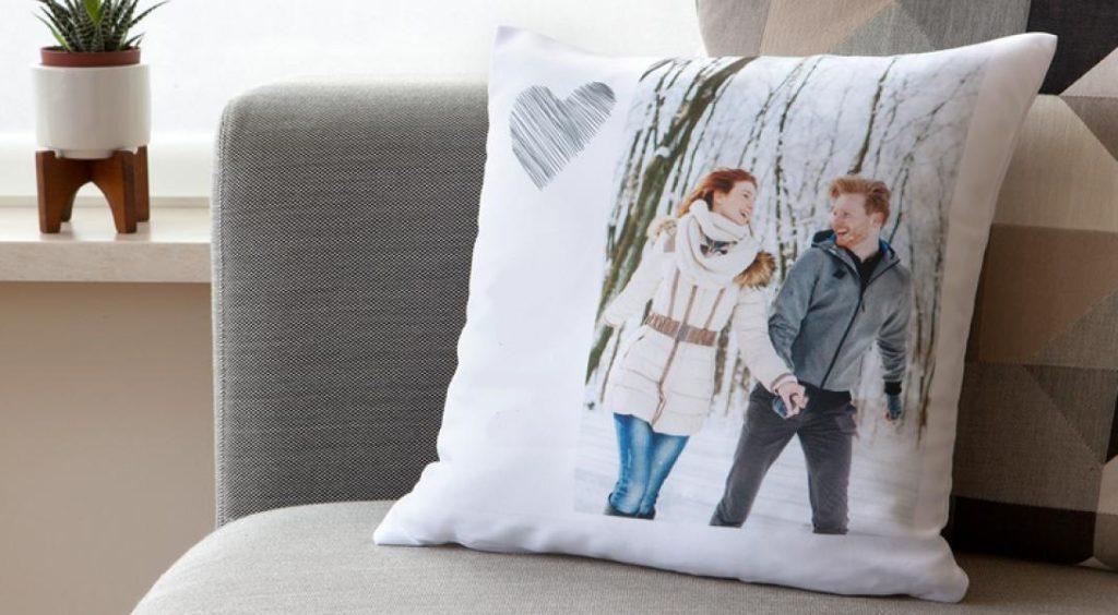 Подарок подушка с фото на 8 марта