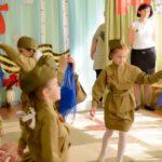 Фото 28: Танец синий платочек для девочек на 23 февраля