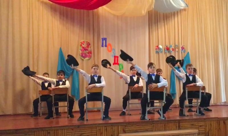 Танец на 8 марта в школе