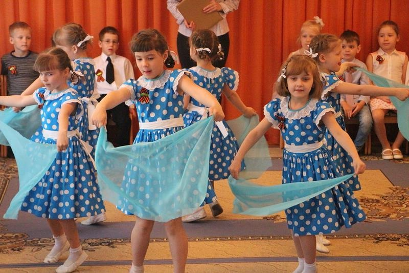 Танец с платочком на 23 февраля