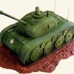 Фото 25: Торт в виде танка из мастики
