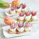 Фото 119: Закуска с цветами из лука на 8 марта