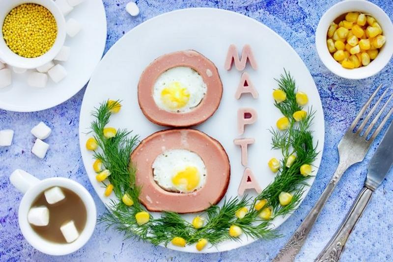 Завтрак на 8 марта своими руками