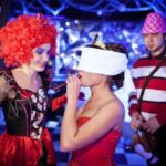 Фото 35: Вечеринка на корпоратив в стиле Алисы в стране чудес на 8 марта
