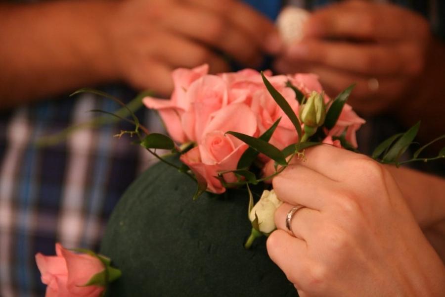 Как крепить цветы на пиафлоре