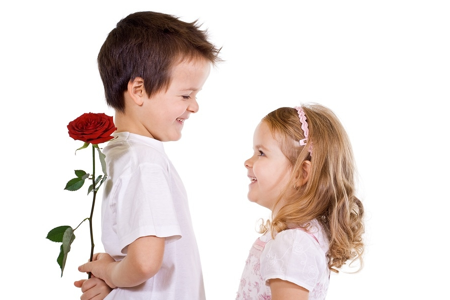 подарить цветы девочкам на 8 Марта