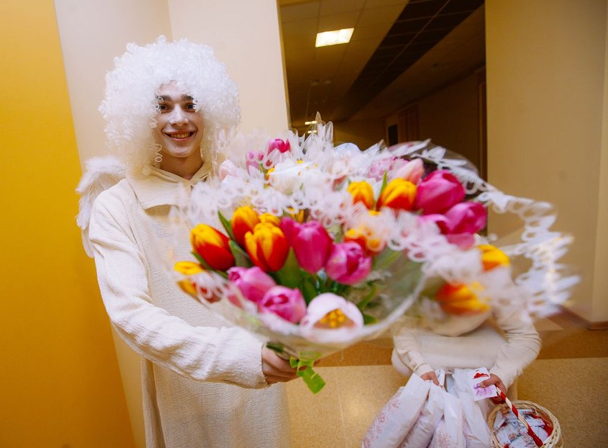 Поздравление от агентства праздников на 8 марта