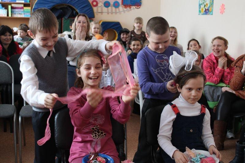 Конкурс с бантиками на 8 марта для детей