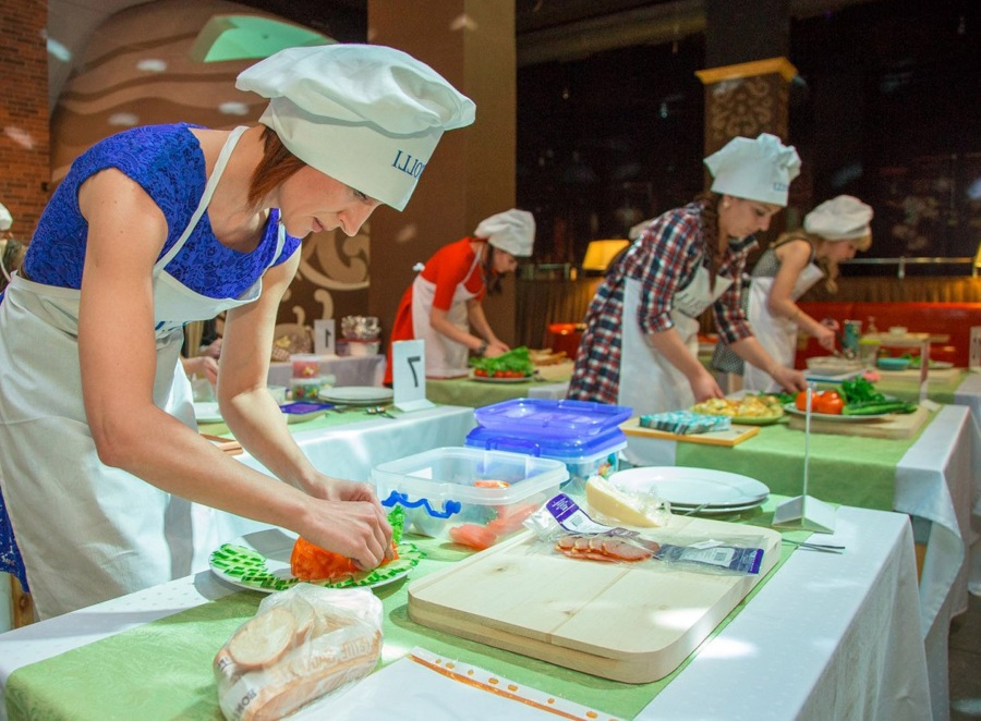 Конкурс кулинарный поединок на 8 марта на корпоратив