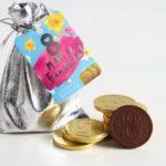 Фото 59: Сувениры шоколадные монеты на 8 марта