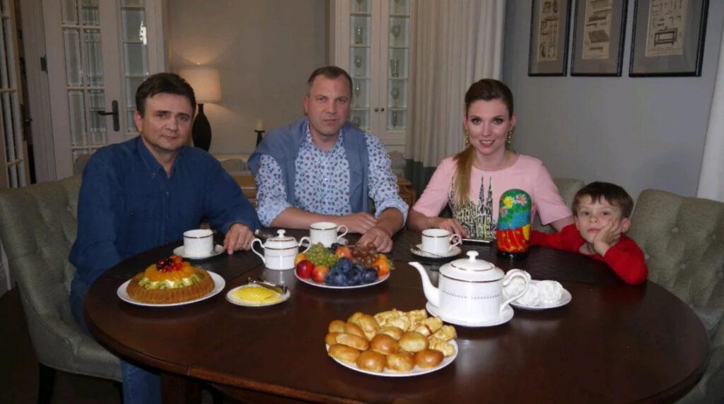Интервью у Попова и Скабеевой