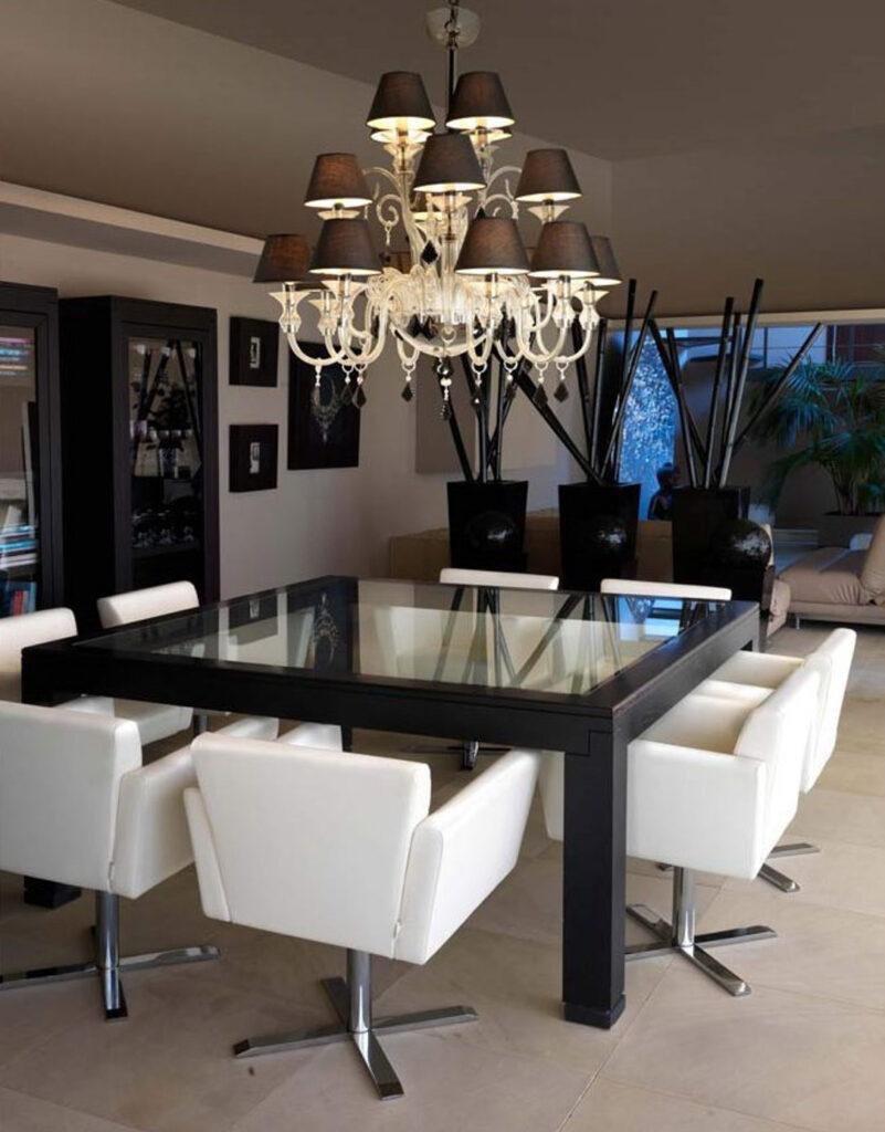 Faro MURANO — пример многофункциональной люстры. Она одинаково хорошо подойдет для гостиной и спальни, создаст комфортное освещение