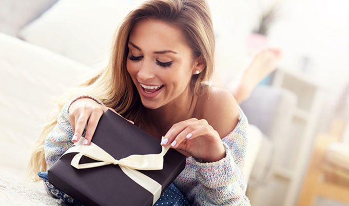 Что подарить подруге? Лучшие идеи на все случаи жизни