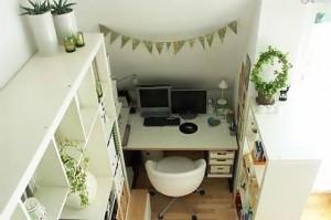 компьютерный стол и стеллаж