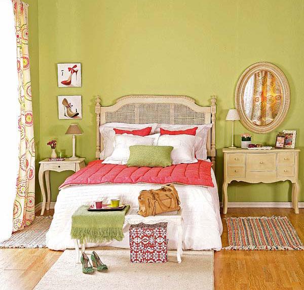 красно-зеленая спальня