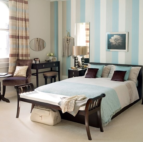 Calm-and-soft-blue-and-brown-bedroom-ideas