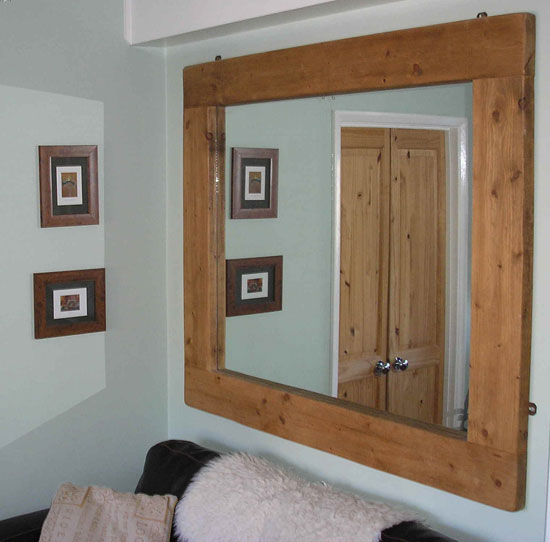 Classic-Woodframe-Wall-Mirrors-For-Living-Room-Design-Minimalist-Furniture