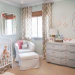 Фото 124: Кресло для мамы в комнате новорождённого