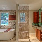 Фото 101: Нитяные шторы в ванной