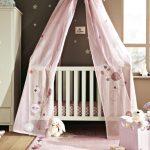 Фото 113: Украшение кроватки для новорождённого балдахином