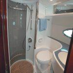 Фото 36: Интересный дизайн для очень маленькой ванной комнаты