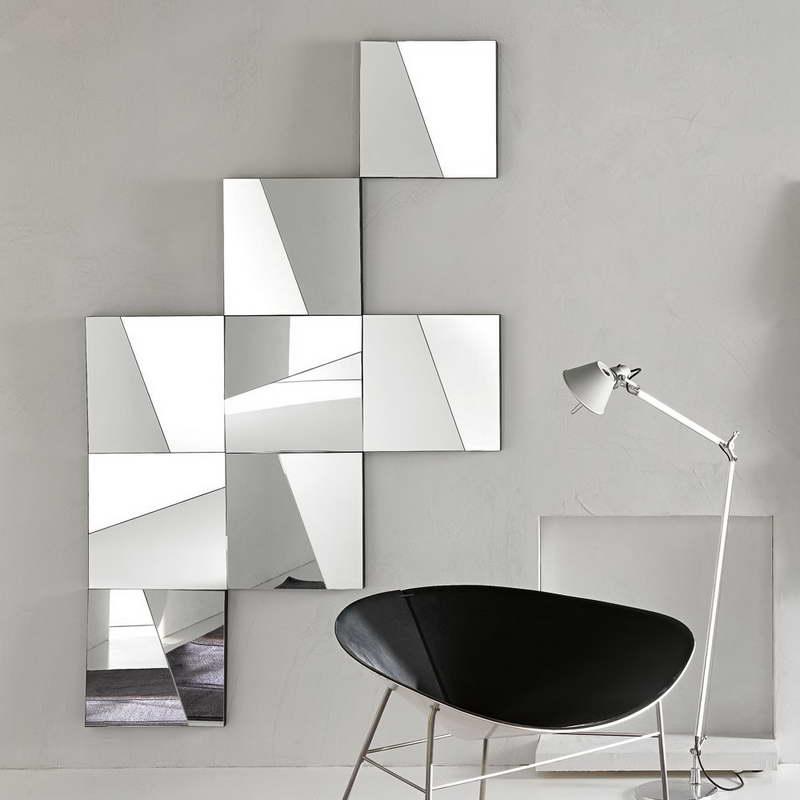 Зеркало без рамы в стиле минимализм