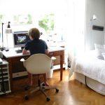 Фото 35: Расположение стола у окна
