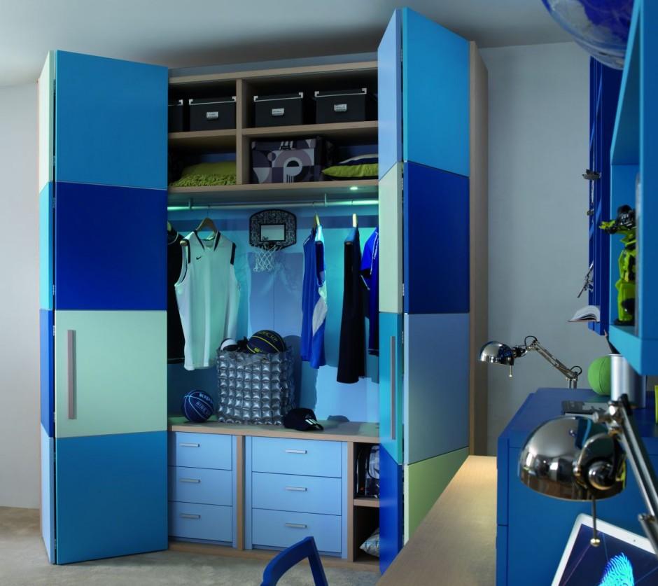 Шкаф в детской для мальчика