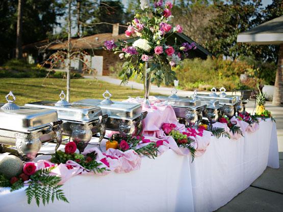 Оформление фуршетного стола на свадьбу