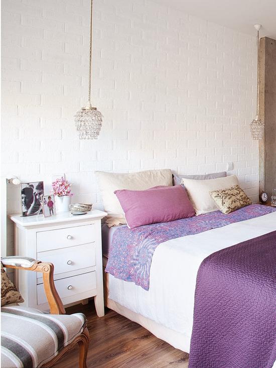 красивая спальня с гламурными нотками