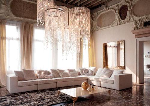 Дизайн квадратной гостиной в классическом стиле