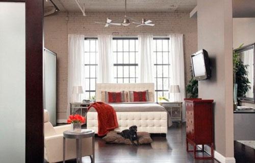 Белые шторы в интерьере в стиле лофт