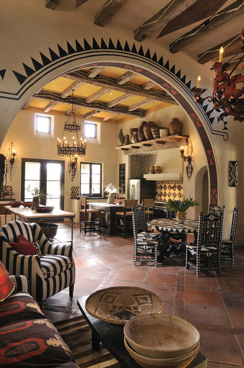 Гостиная в африканском стиле с элементами росписи