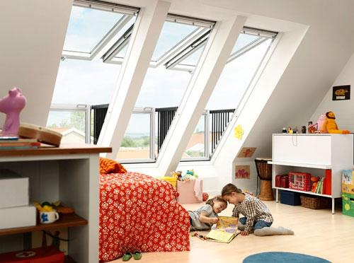 Оформление мансардного окна балконного типа